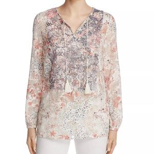 NEW LISTING - TAHARI INTRICATE LACE BLOUSE - TOP